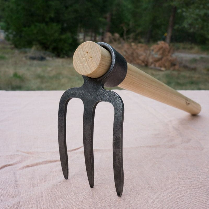 Dewit Canterbury Hoe 800 x 800 - best weeding tool