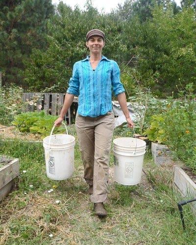 Healthy posture in the garden - Cass Balance 1